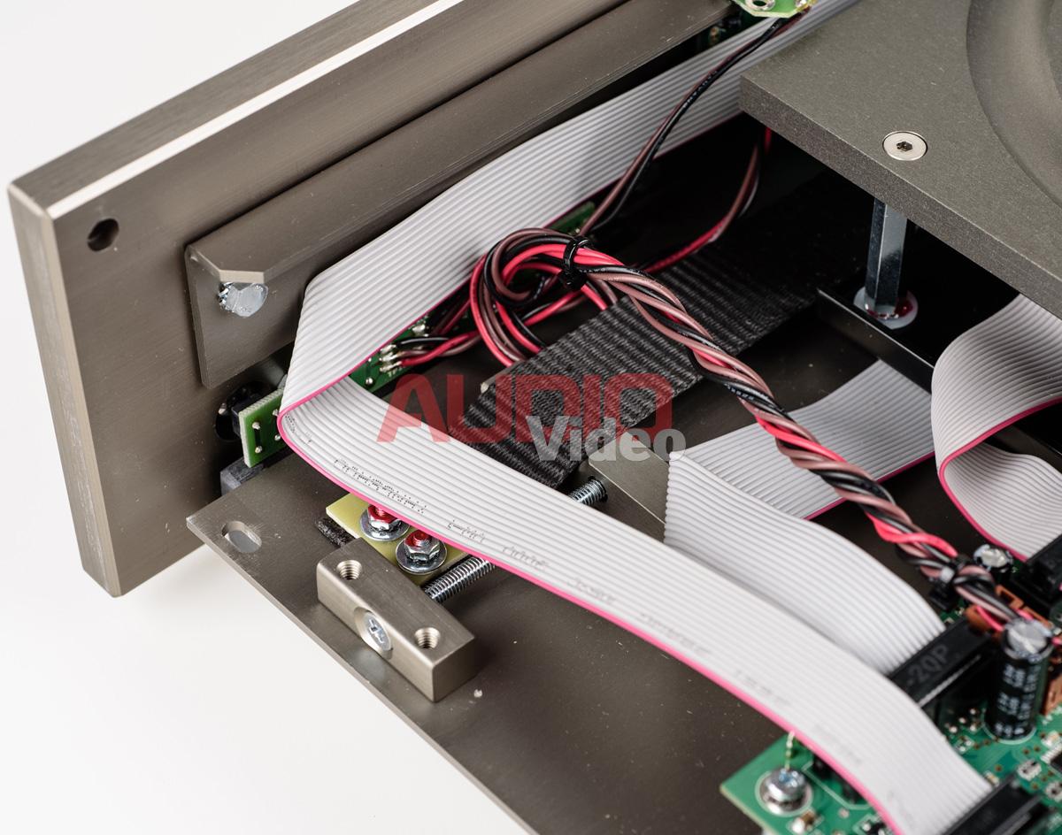 Audionet Planck 6 zawieszenie napedu